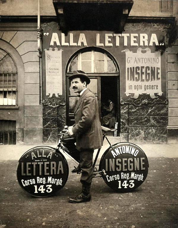 Bici promozionale a Torino nella prima metà del 1900