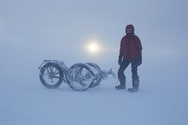 Maria Leijerstam al Polo Sud in bici