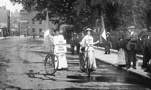 Suffragette in bici