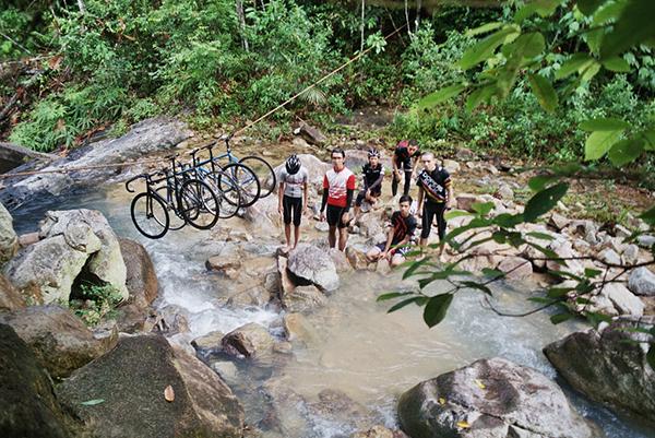 In bici sul Gunung pulai