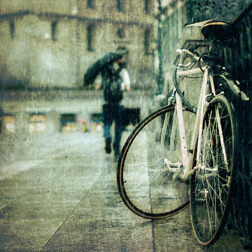 Bici sotto la pioggia