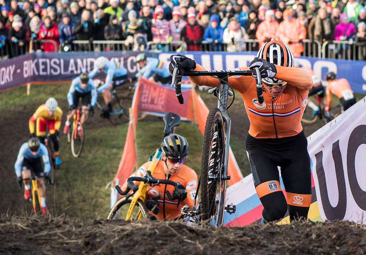 Mathieu van der Poel ai Campionati mondiali di ciclocross 2019 a Bogense