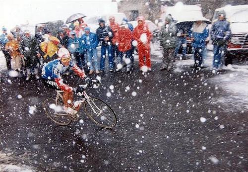 La 14esima tappa del Giro d'Italia 1988 sul passo del Gavia