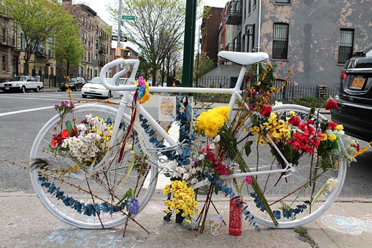 Le Ghost Bikes di Mirza Molberg