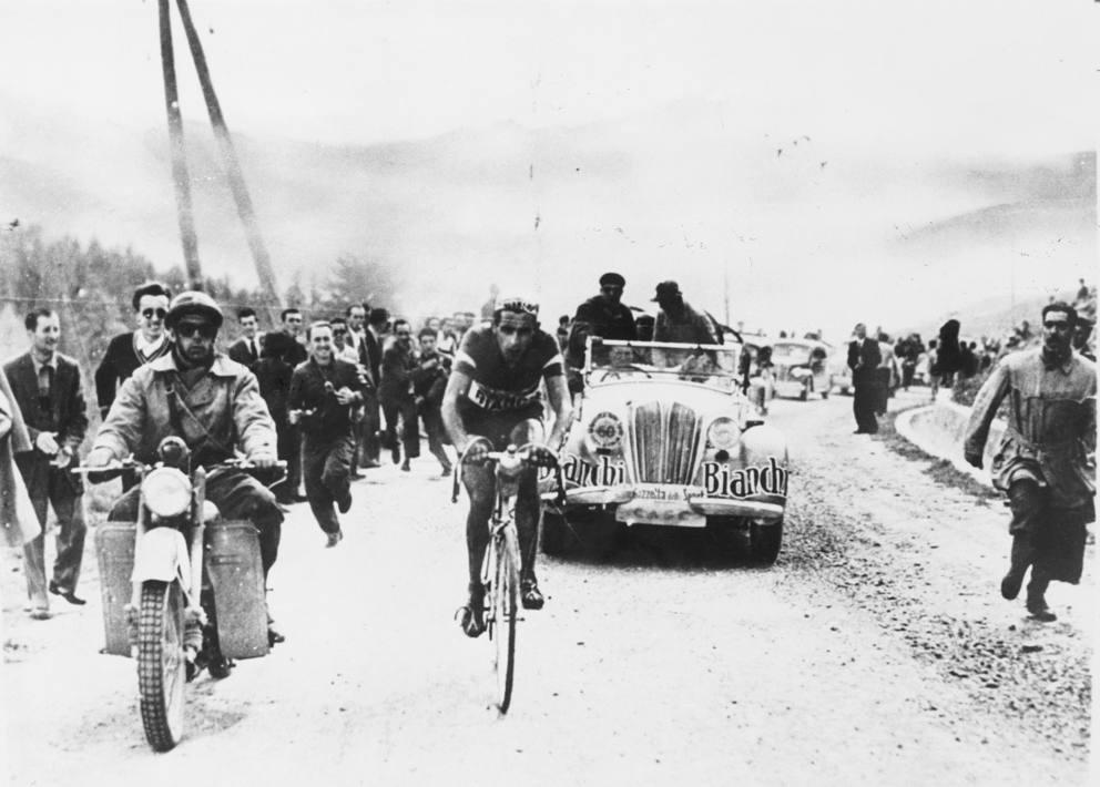 Fausto Coppi in fuga al Giro d'Italia 1949