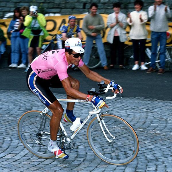 Indurain in maglia rosa al Giro 1992