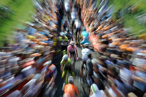 Contador alla partenza di una tappa al Giro d'Italia