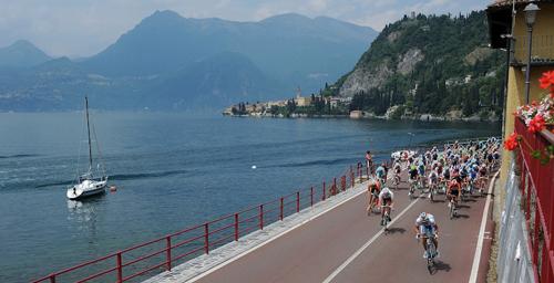 Il Giro d'Italia costeggia il Lario