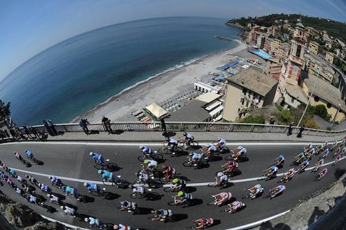 Il Giro d'Italia passa a Sori