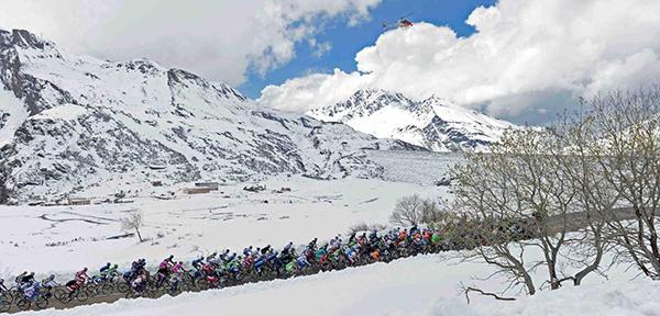 Il Giro 2013 con la neve