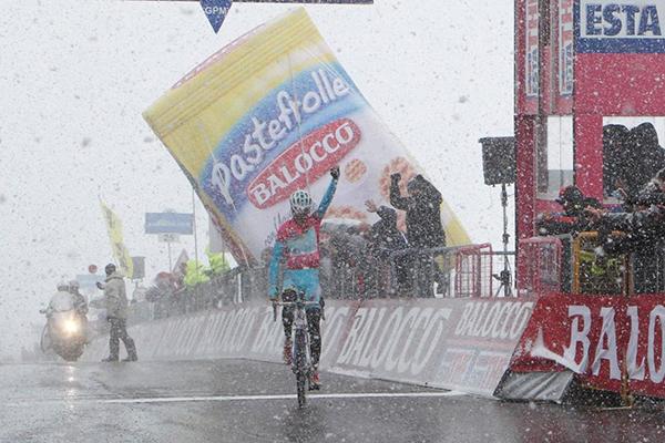 Nibali al Giro 2013 sotto la neve