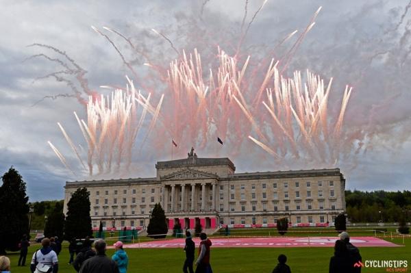 Fuochi d'artificio rosa al Giro d'Italia