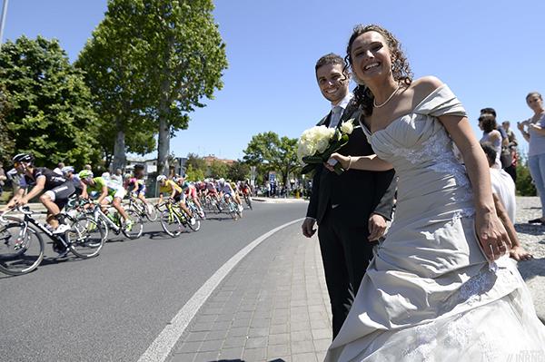 Coppia di sposi al Giro d'Italia 2014