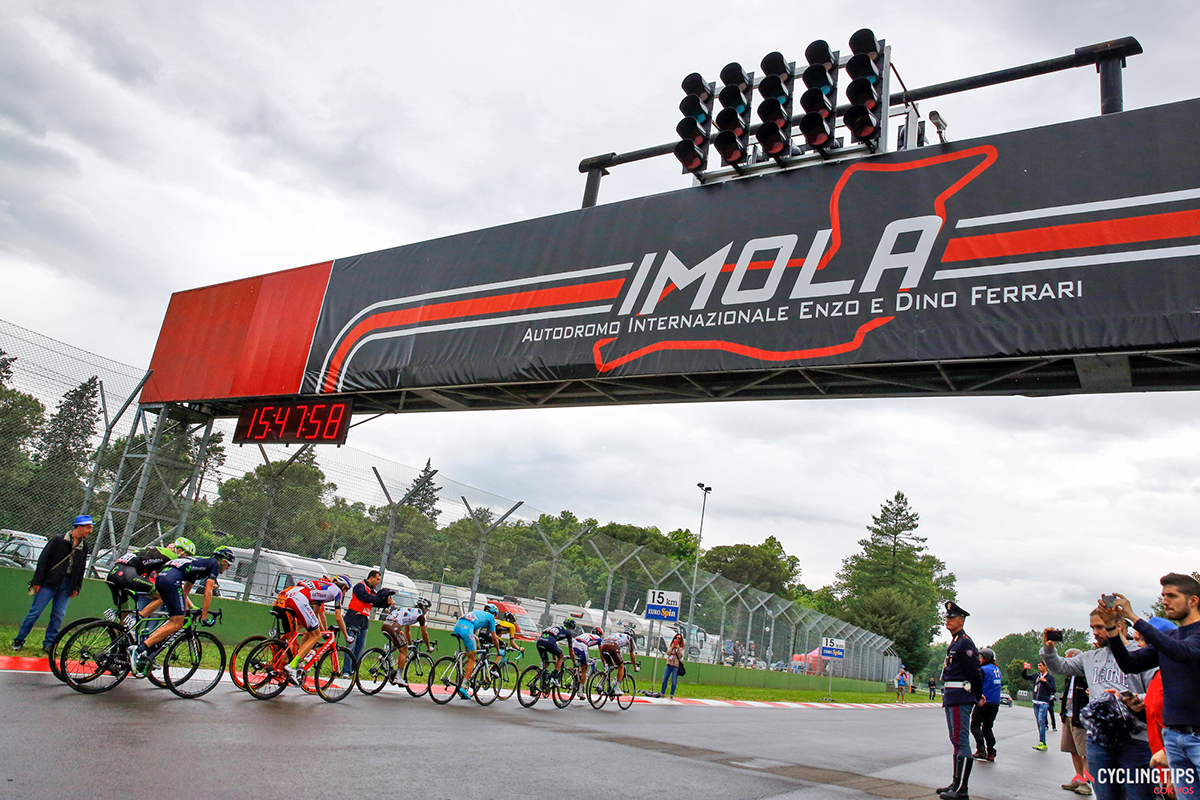Il Giro d'Italia all'autodromo di Imola