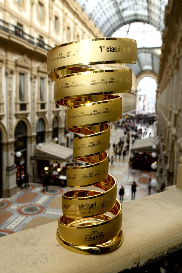 Il Trofeo senza Fine in Galleria Garibaldi