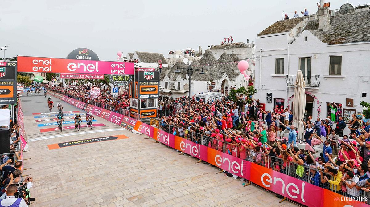 L'arrivo ad Alberobello al Giro 2017