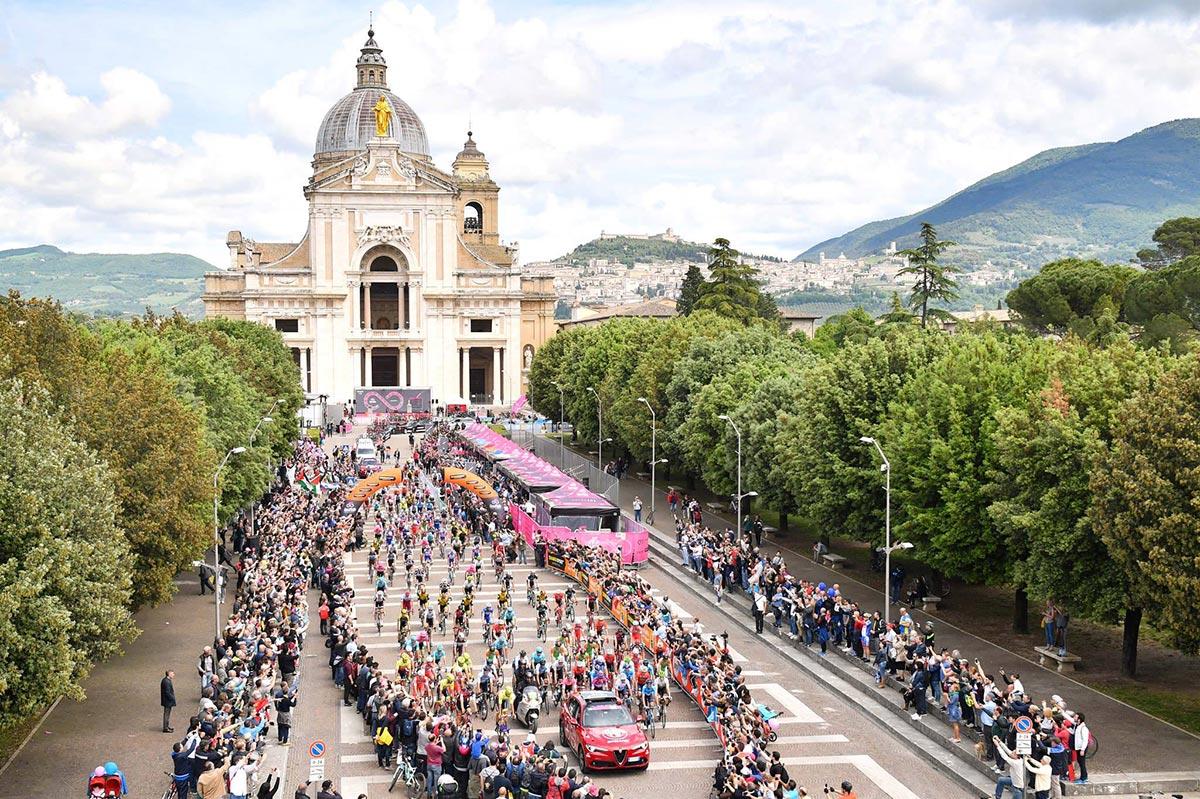 La partenze del Giro 2018 dalla Basilica di Santa Maria degli Angeli in Porziuncola