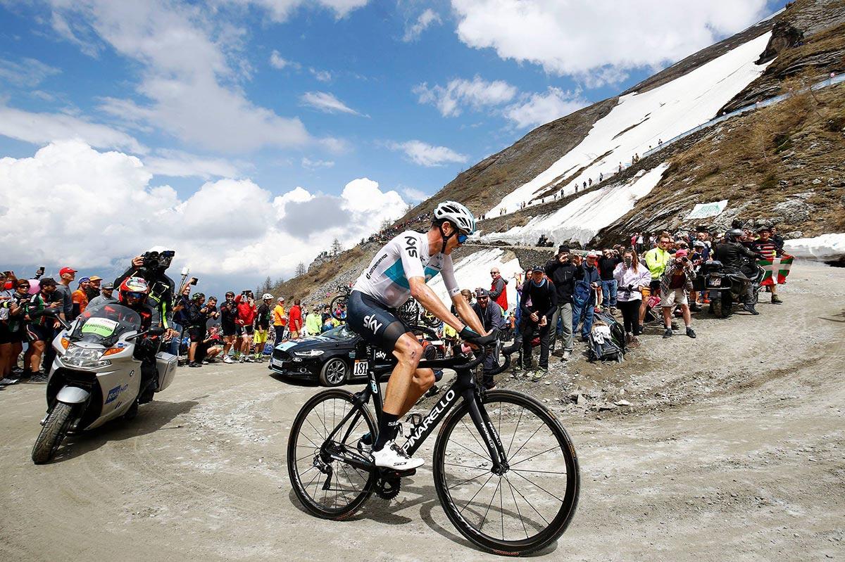 Froome affronta lo sterrato al Giro d'Italia 2018