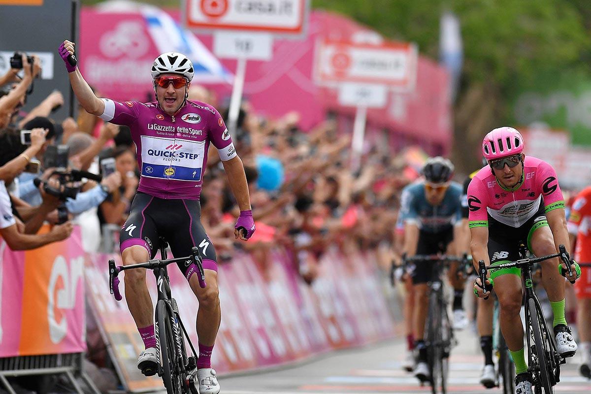 Viviani in Maglia Ciclamino al Giro d'Italia 2018
