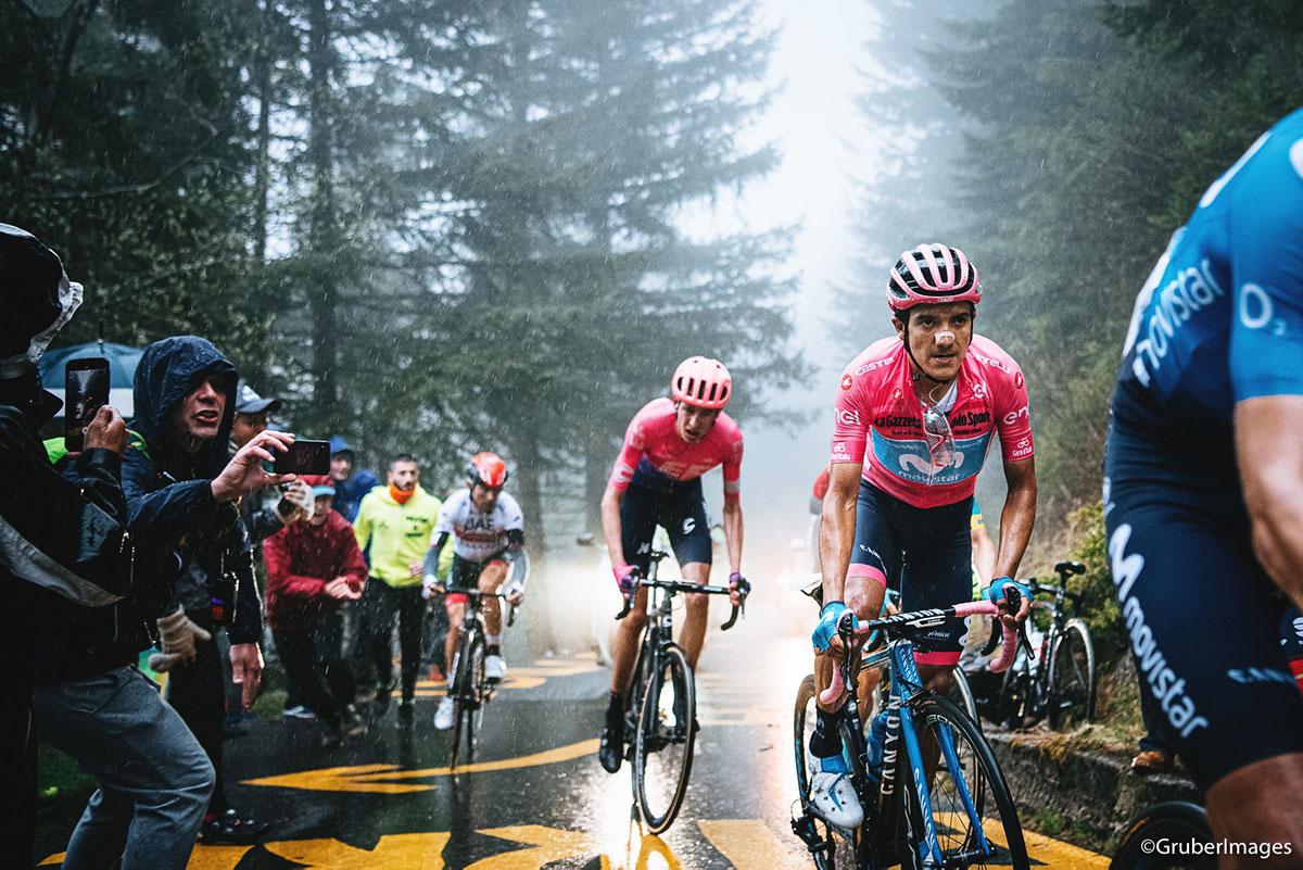Richard Carapaz in Maglia Rosa al Giro 2019