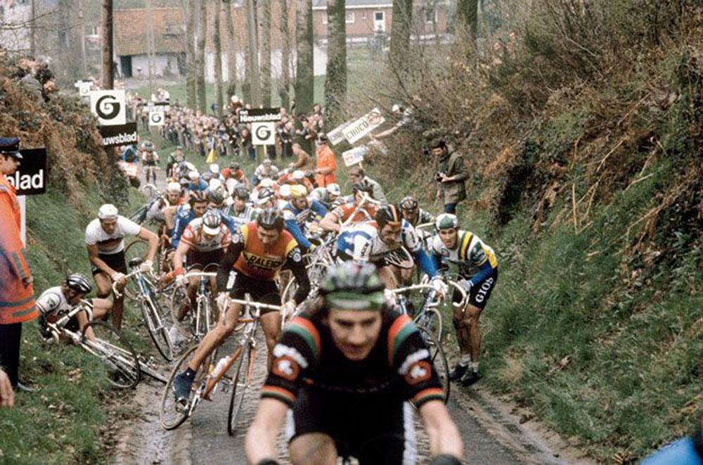 Caduta al Giro delle Fiandre