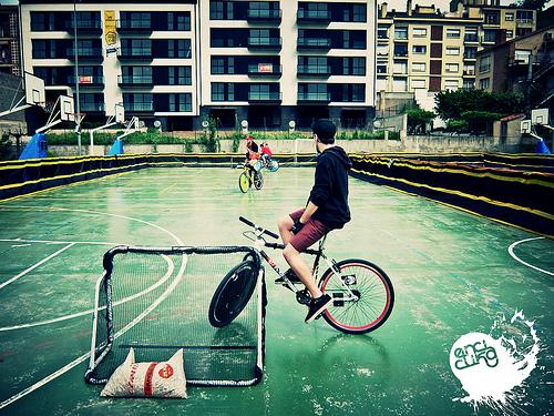 Un campo da bike polo