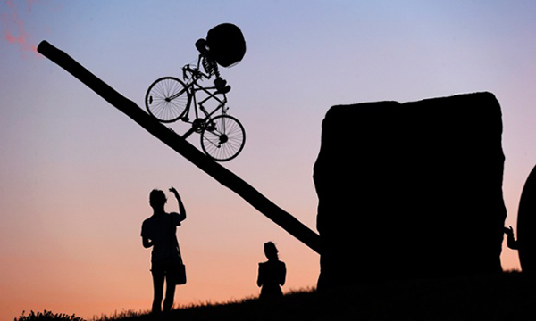 Statua bici e scheletro per Halloween 2013