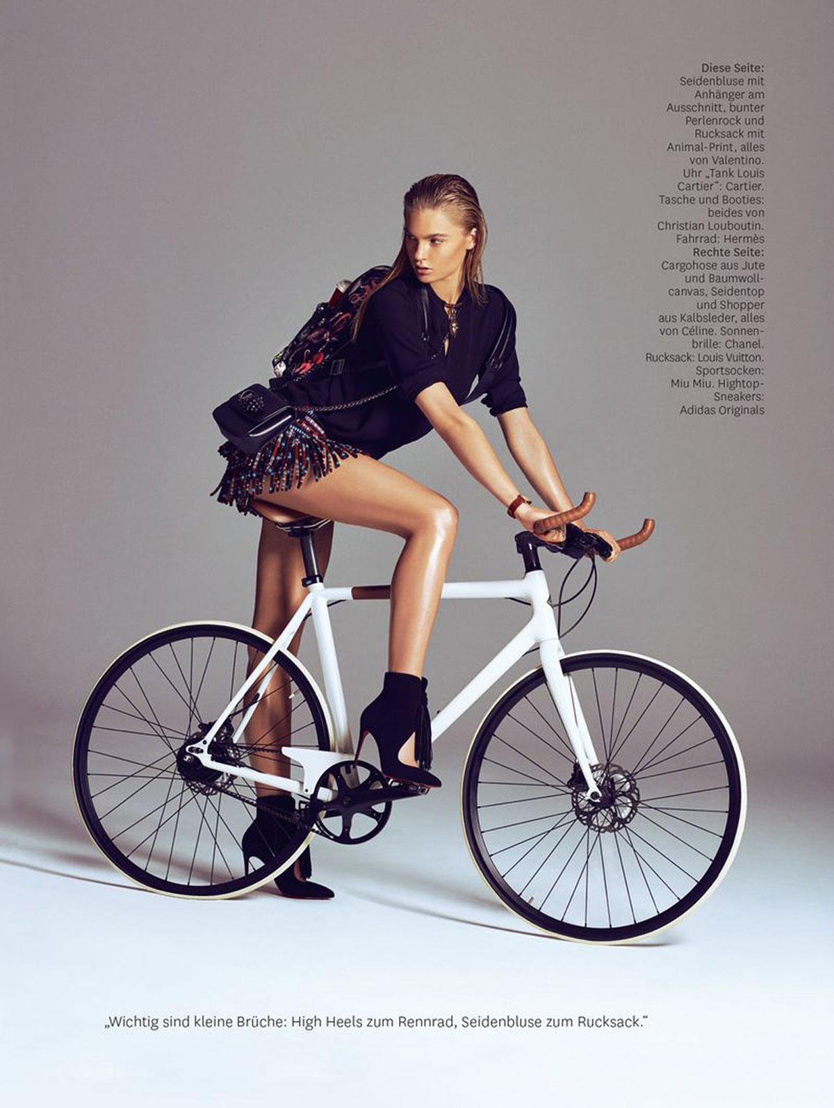 Isabel Scholten in bici