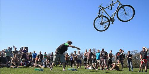 Il lancio della bici