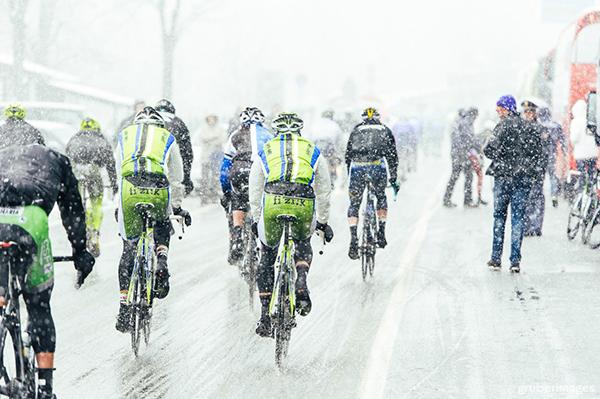 Milano-Sanremo 2013 sotto la neve