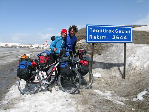 Marcella Stermieri e Bernardo Moranduzzo sulla via del Tibet