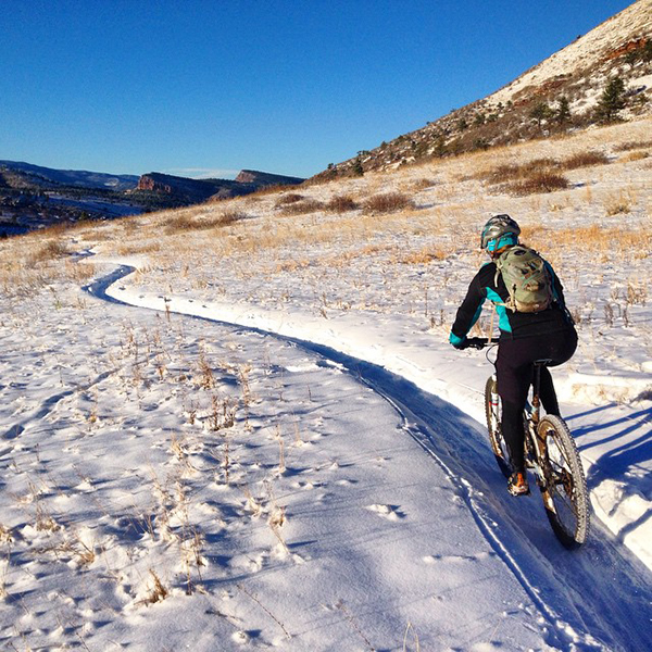 Mountain bike nella neve