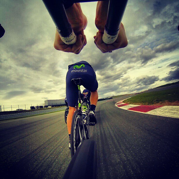 La Movistar Team si allena sul Circuito di Navarra