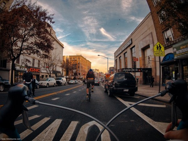 New York fotografata da una bici