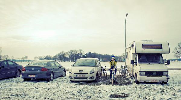 Ciclista nella neve