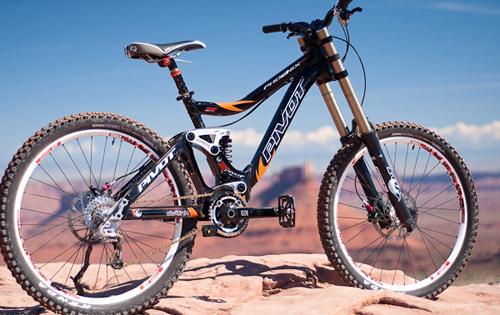 La Pivot Cycles Phoenix DH