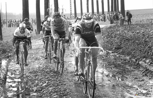 Jan Raas, Phil Anderson e Marc Sergeant al Ronde van Vlaanderen 1983