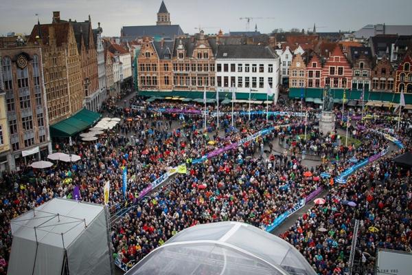La partenza del Giro delle Fiandre 2014