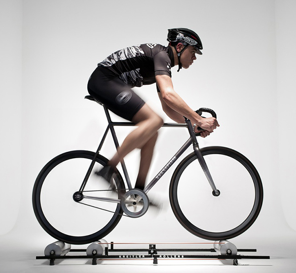 In bici sui rulli liberi