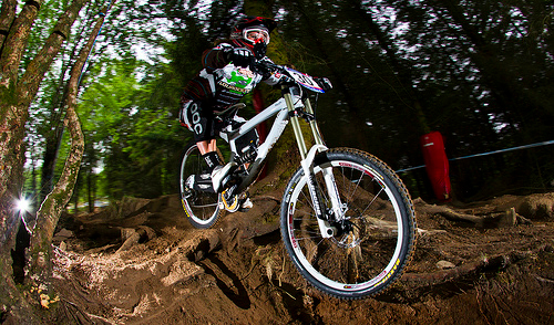 Sophie Borderes impegnata nel downhill della Mountain Bike World Cup