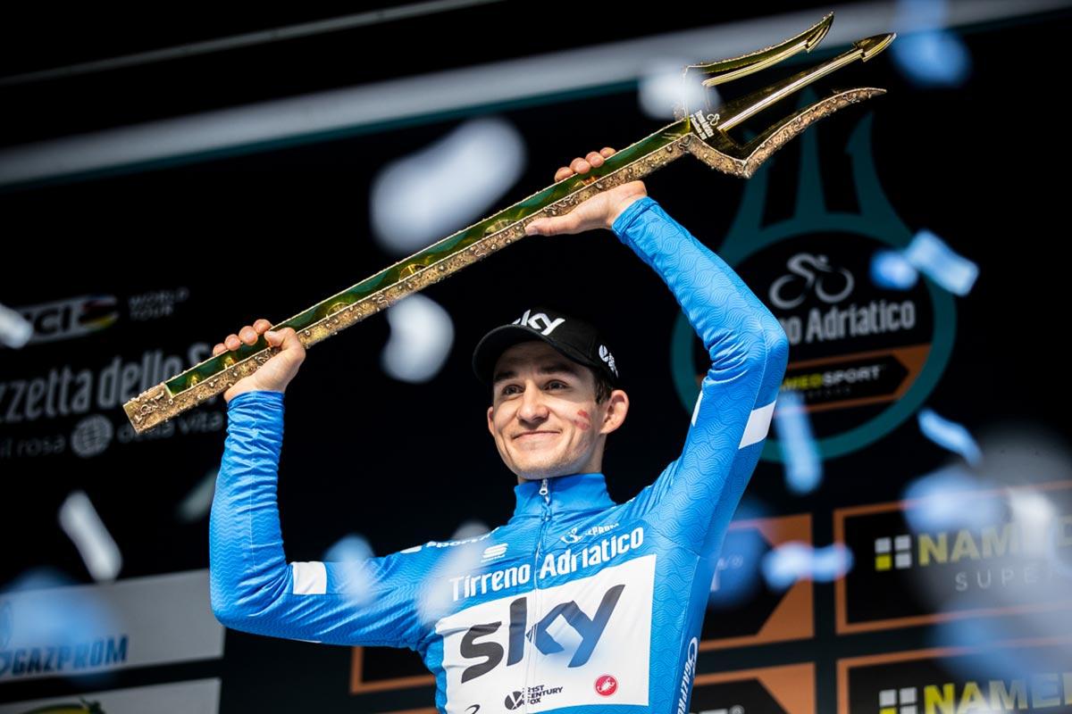 Michal Kwiatkowski sul podio della Tirreno-Adriatico 2018