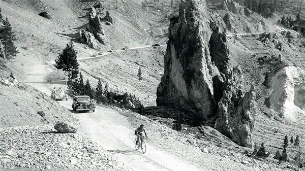 Gino Bartali sul Col d'Izoard al Tour 1938