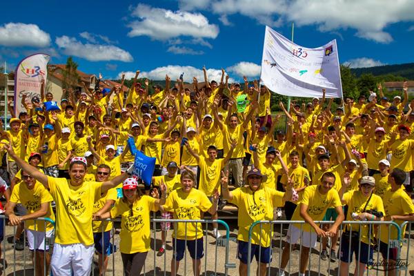 Spettatori del Tour in maglia gialla