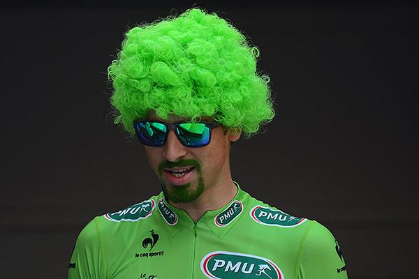 Peter Sagan festeggia la maglia verde al Tour