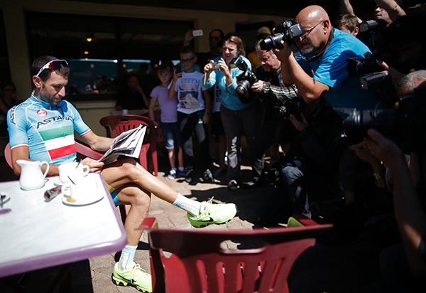Vincenzo Nibali si rilassa al Tour de France 2014