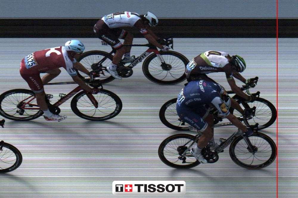 Kittel batte di millimetri Hagen al Tour 2017