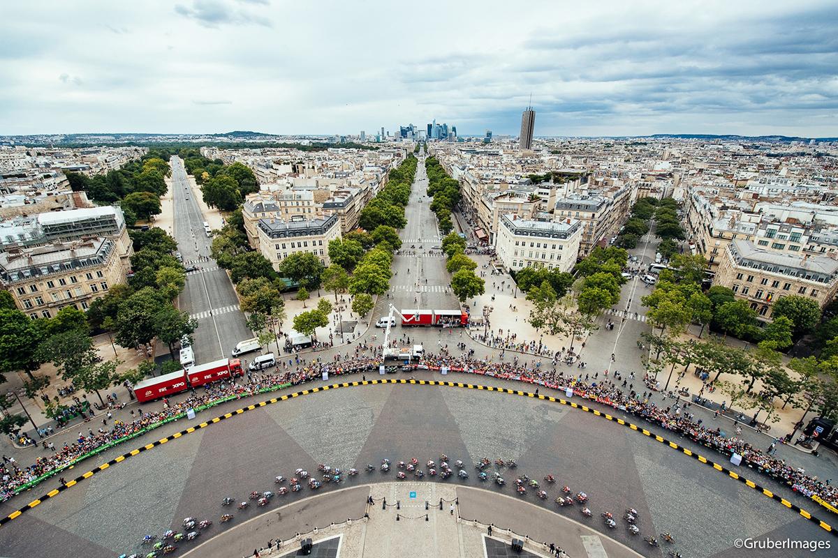 Il Tour 2017 a Parigi