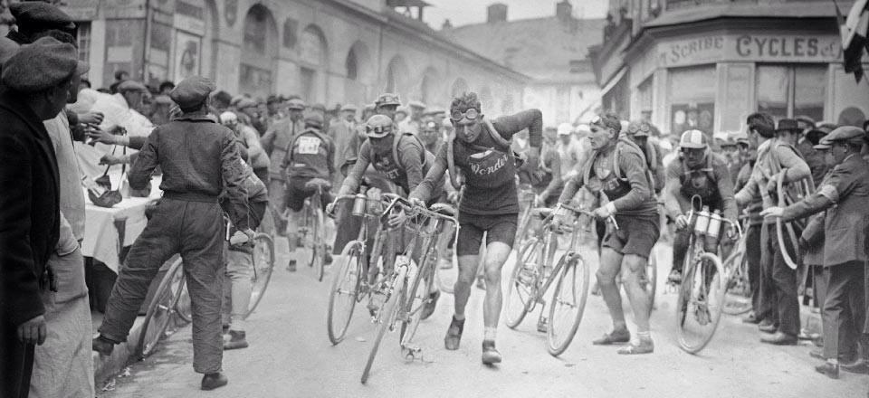 Partenza di una tappa del Tour de France