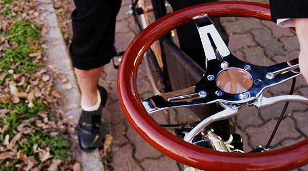 Una bici con volante